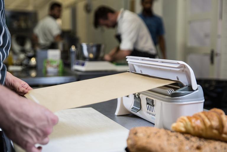 Wrapmaster-3000-dispenser-baking-parchment
